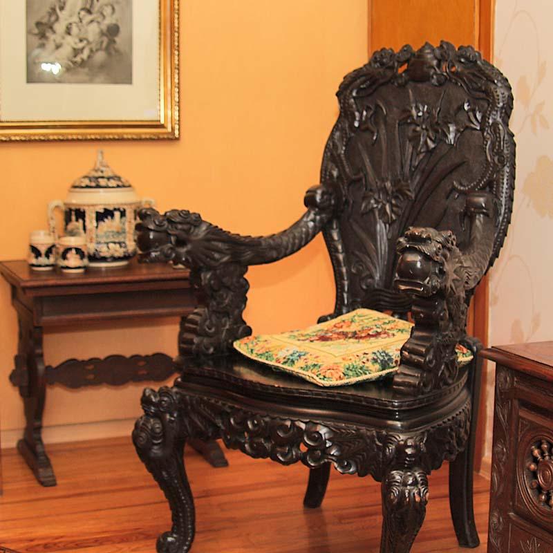 Wohnzimmer antik - Antik la Flair - Antike Möbel und Antiquitäten ...