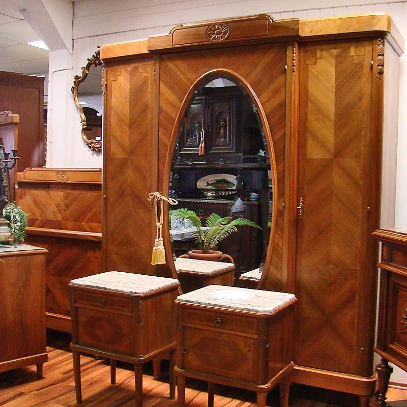 Schlafzimmer Möbel antik - Antik la Flair - Antike Möbel und ...